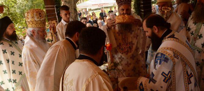 Патријарх Порфирије богослужио у храму Светог деспота Стефана у Бабама