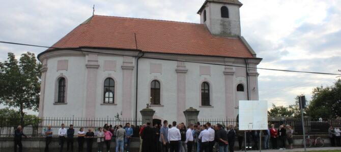 Његово Преосвештенство Епископ сремски г. Василије освештао парохијски дом у Прхову